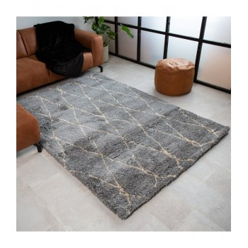 Soft rug Maili with design...